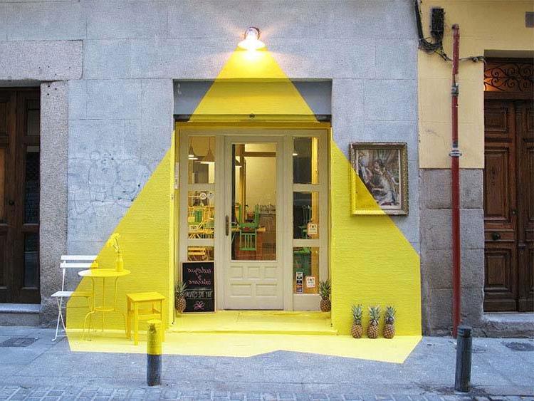 fos_rayen_madrid_faux-illuminated-light_restaurant-facade-madrid_collabcubed
