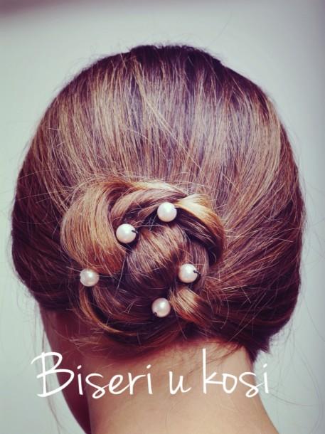 Biseri u kosi- frizer stilist