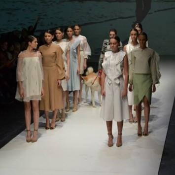 Kolekcija Sare Lončarić na Smart Fashion Weeku